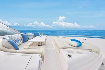 E90 (New Boat Spec)  37 Bow Deck