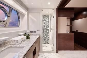 E90 (New Boat Spec)  49 Master Bath