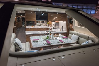 E98 (New Spec Boat)  18 Country Kitchen