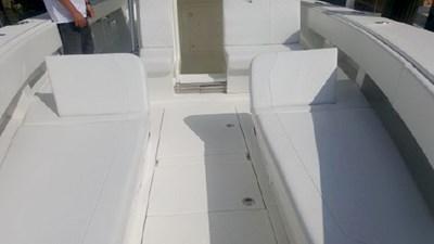 Molded bow seats