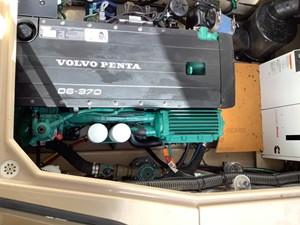 24 Volvo Penta 370 hp