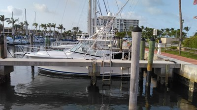 14_Listing for 2007 34' Luhrs 31 Open