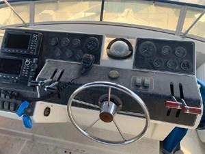 1992 Carver 33 Aft Cabin 32 33