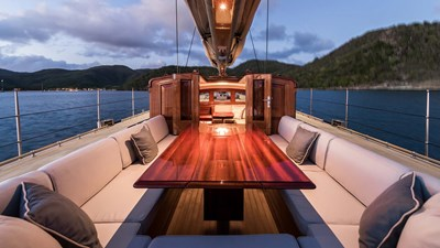 yacht-rainbow-SY-201804-exterior-01