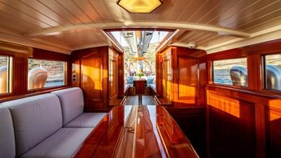 RAINBOW 12 yacht-rainbow-interior-03