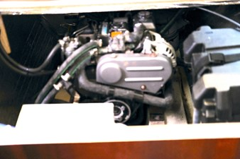 MOONFLEET 67 engine2
