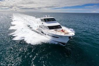 V72 (New Boat Spec)  2 Skylounge motoryacht