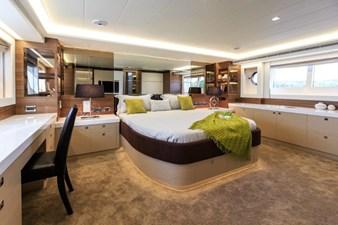 V72 (New Boat Spec)  21 Master Stateroom