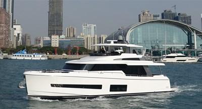 V68 (New Boat Spec)  2 Exterior III