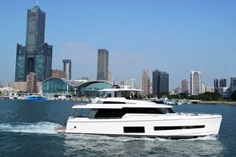 V68 (New Boat Spec)  4 Exterior V