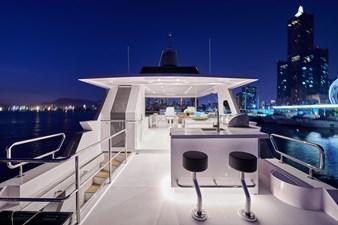 V68 (New Boat Spec)  17 Flybridge