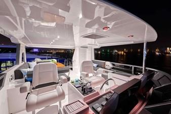 V68 (New Boat Spec)  19 Flybridge III