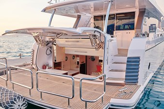 V68 (New Boat Spec)  22 Beach Club