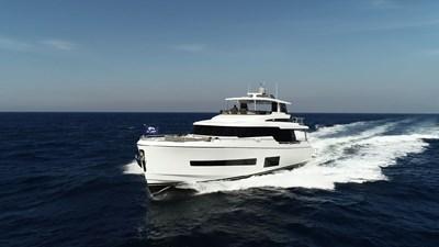 V68 (New Boat Spec)  24 Exterior