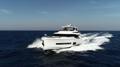V68 (New Boat Spec)  25 Exterior