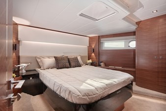 V68 (New Boat Spec)  39 Bow VIP