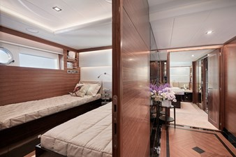 V68 (New Boat Spec)  41 Twin Guest Stateroom
