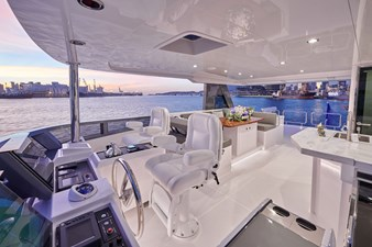 V68 (New Boat Spec)  45 Flybridge