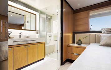 Port King VIP Bath