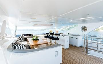 Altavita 5 6. Sun Deck Dining