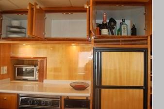 2002 Hampton 490 Pilothouse 34 35