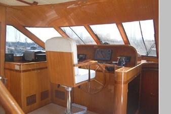 2002 Hampton 490 Pilothouse 37 38