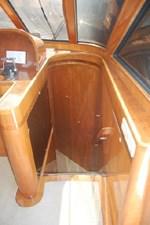 2002 Hampton 490 Pilothouse 50 51