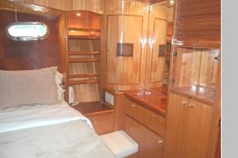 2002 Hampton 490 Pilothouse 59 60