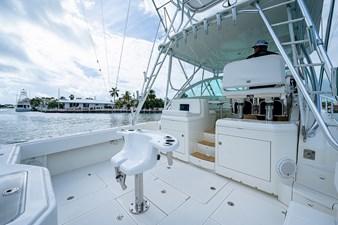 43 Sea Vee Plunger_Bridge Deck2