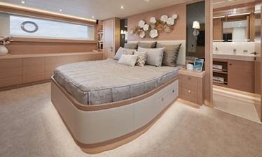 E81 (New Boat Spec)  10 E81-622-7670-R