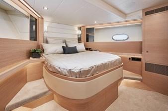 E81 (New Boat Spec)  12 E81-622-7723-R