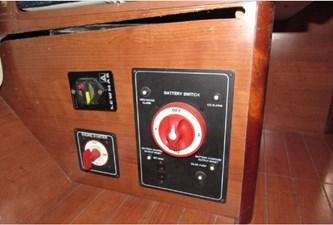 AdventEure 42 Battery switches & windlass breaker