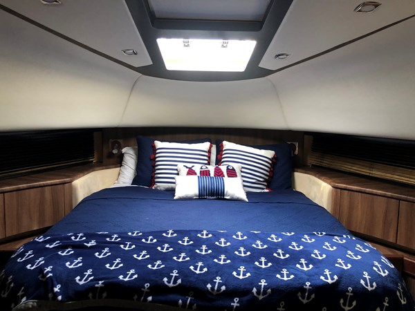 VIP Stateroom Bow (3)