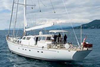 electa-exterior-sailing