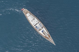 electa-sailing-yacht-eyi