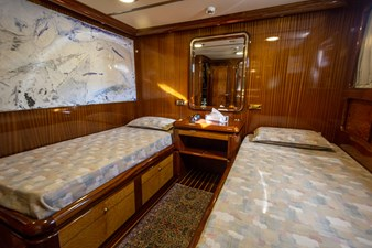 twin-beds-cabin-electa