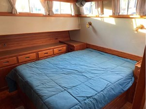 Master cabin (aft) berth, storage & good lighting
