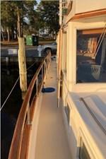 Chessie 29 Starboard side deck