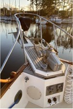 Bowsprit, windlass, shorepower inlets and windlass controls