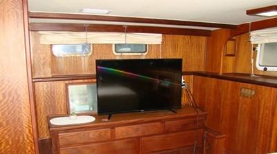 16. Master TV & Storage