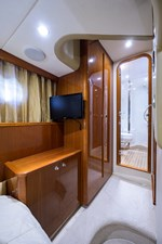 BANK HOLIDAY 24 Port Guest Stateroom