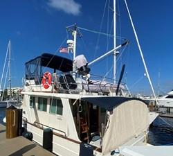 Apres Sail 5 112 Exterior Port