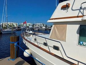 Apres Sail 6 113 Exterior Prt Forward