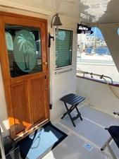 Apres Sail 9 116 Salon Door to Starboard