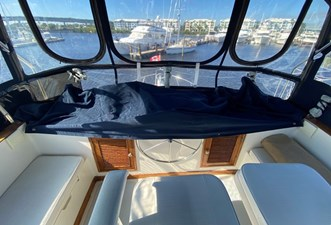 Apres Sail 20 130 Flybridge Helm