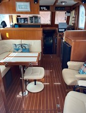 Apres Sail 30 200  Interior