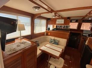 Apres Sail 32 202 Salon Port