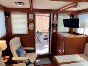 Apres Sail 34 204 Salon Aft Open Door