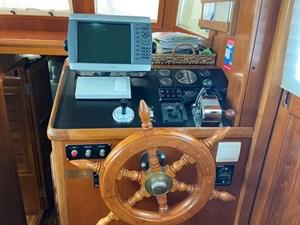 Apres Sail 38 208 Int Helm