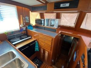 Apres Sail 46 215 Galley